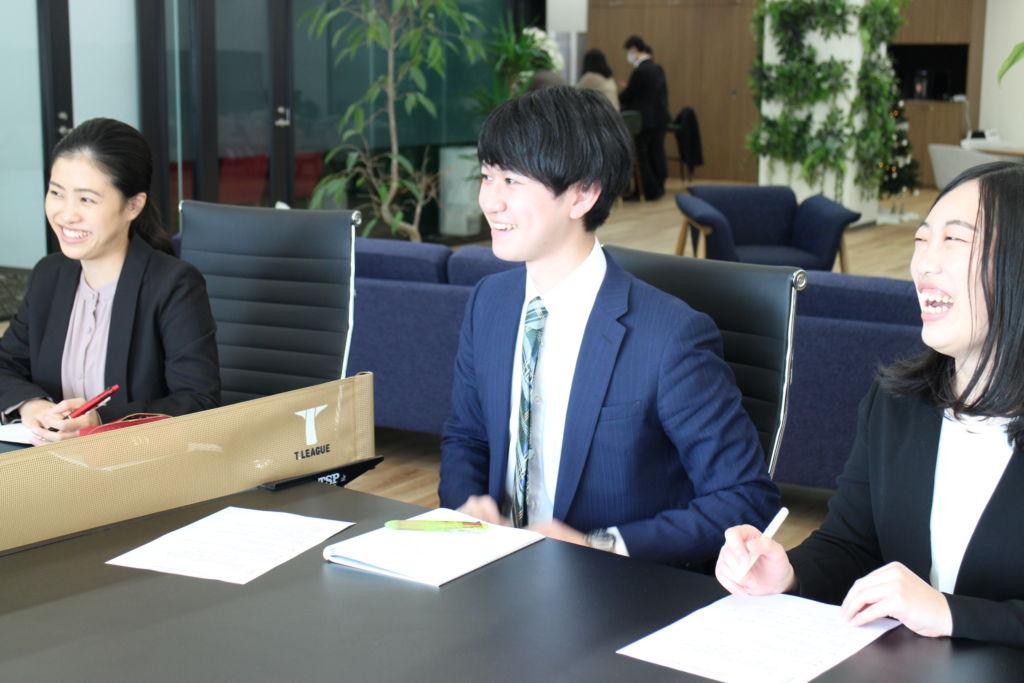 新卒社員による社長インタビュー